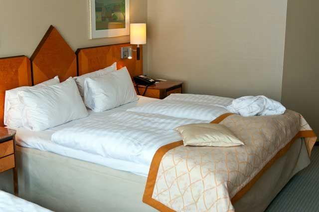 В Омске периодически возникает дефицит мест в гостиницах.