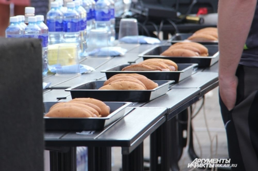 На вид хот-доги очень аппетитные.