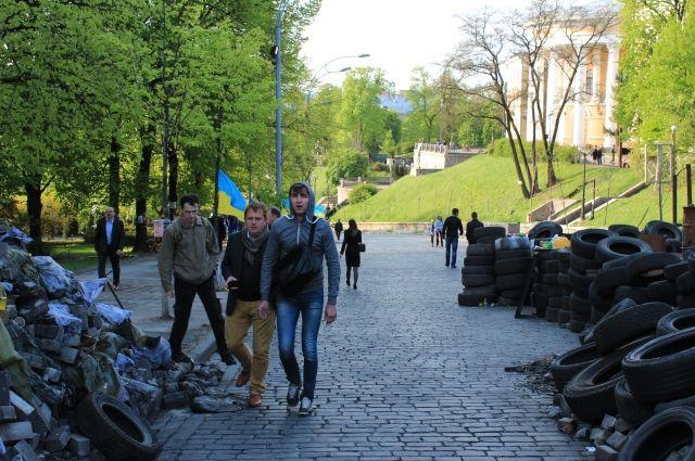 Баррикады на Институтской в Киеве