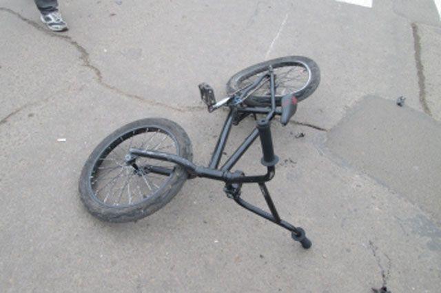 Девочку на велосипеде сбили в Таре.