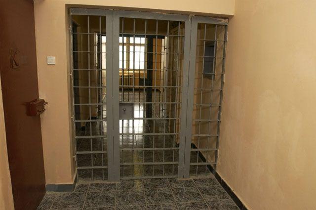 Пока расследование уголовного дела продолжается, предполгаемых бандитов арестовали.