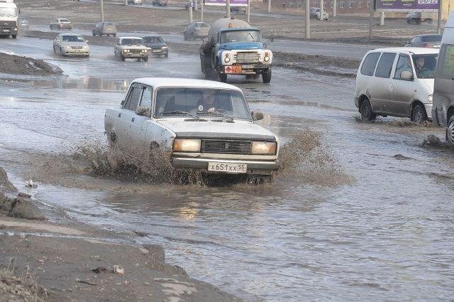 Состояние омских дорог оценят активисты автопробега.