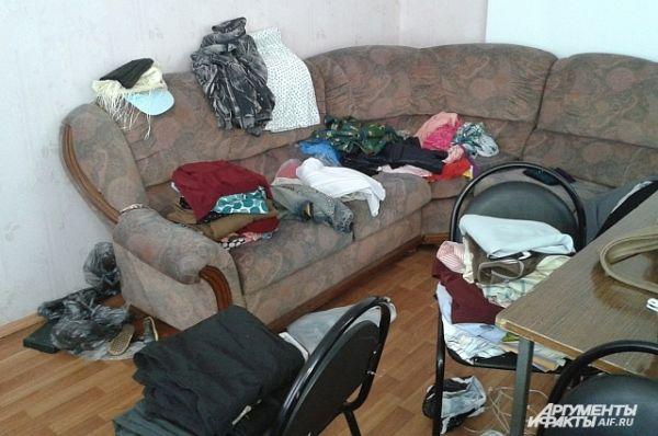 Привозят все, что могут, но больше всего, конечно, одежды.