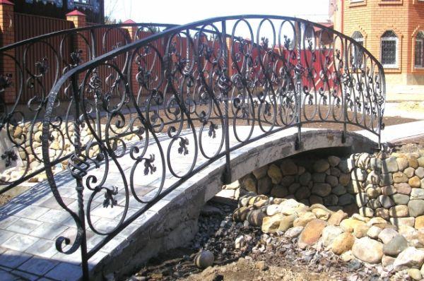 Ограда для моста.