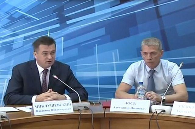 Владимир Миклушевский и Александр Лось (справа).