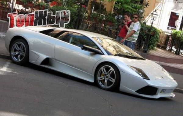 Lamborghini Murcielago первого замглавы Администрации президента Юрия Косюка
