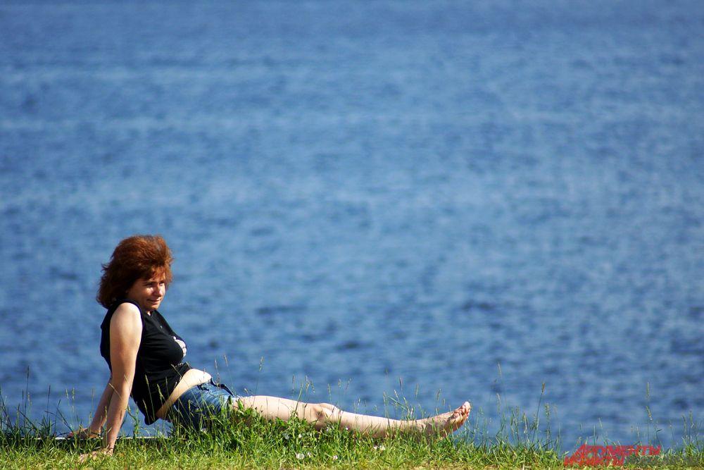 Кто-то в одиночестве наслаждался убаюкивающим спокойствием Камы.