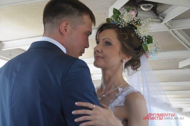 Свадьба на теплоходе - новшество для омичей.
