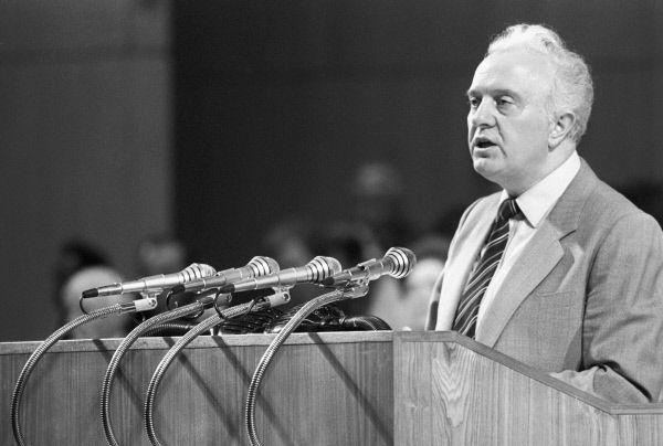 Политическую карьеру Шеварднадзе начинает в 1952 году, став вторым секретарём Кутаисского обкома ЛКСМ Грузинской ССР, а уже в следующем году — первым секретарём Кутаисского обкома ЛКСМ Грузинской ССР. В конце 50-х он познакомился с Михаилом Горбачевым.