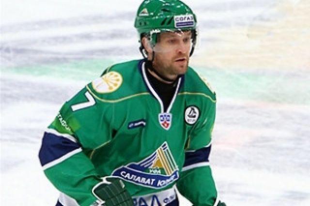 «Трактор» заключил контракт с защитником Виталием Атюшовым