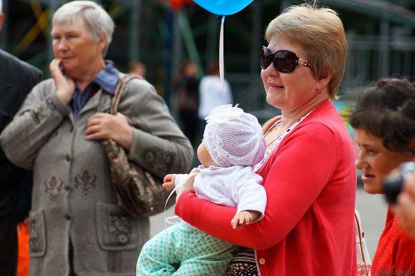 Десятки родителей решили посетить мероприятия, приуроченные ко Дню семьи.