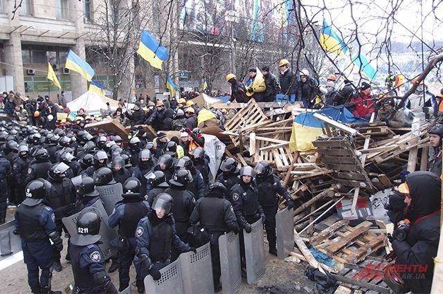 Штурм Майдана милицией в январе