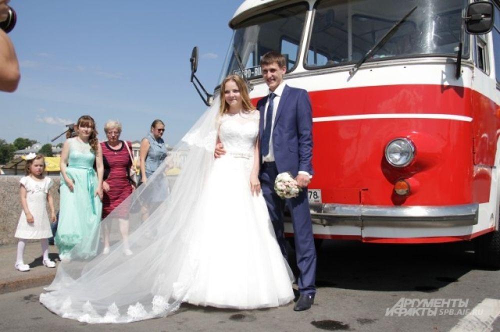 Фотосессию у автобуса ЛАЗ смогли сделать все влюбленные