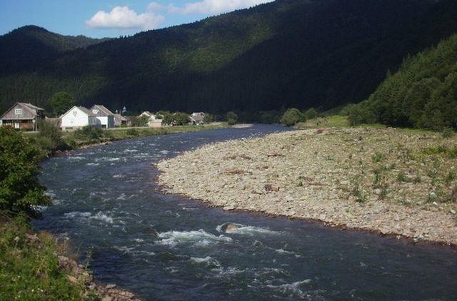 Река, Закарпатье