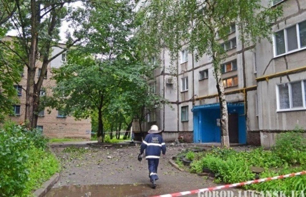 Разгромленный транспорт Луганска