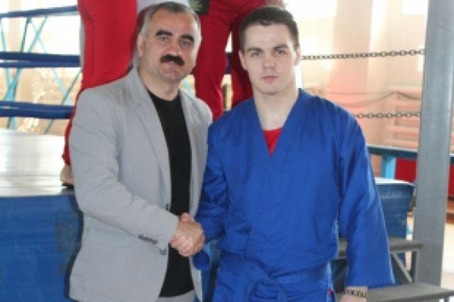 Министр спорта Челябинской области Леонид Одер и Александр Тихонов.