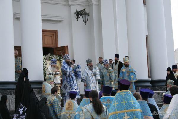 На именины монастыря приехали епископ Нижнетагильский и Серовский Иннокентий, епископ Каменский и Алапаевский Мефодий, Митрополит Челябинский и Златоустовский Никодим.