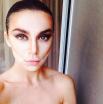 Анна Седокова показала лицо до растушевки теней и румян
