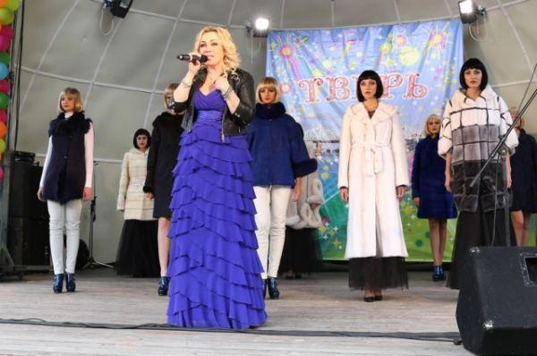 Певица Светлана Королева и Новоторжская ярмарка: премьера совместной программы.