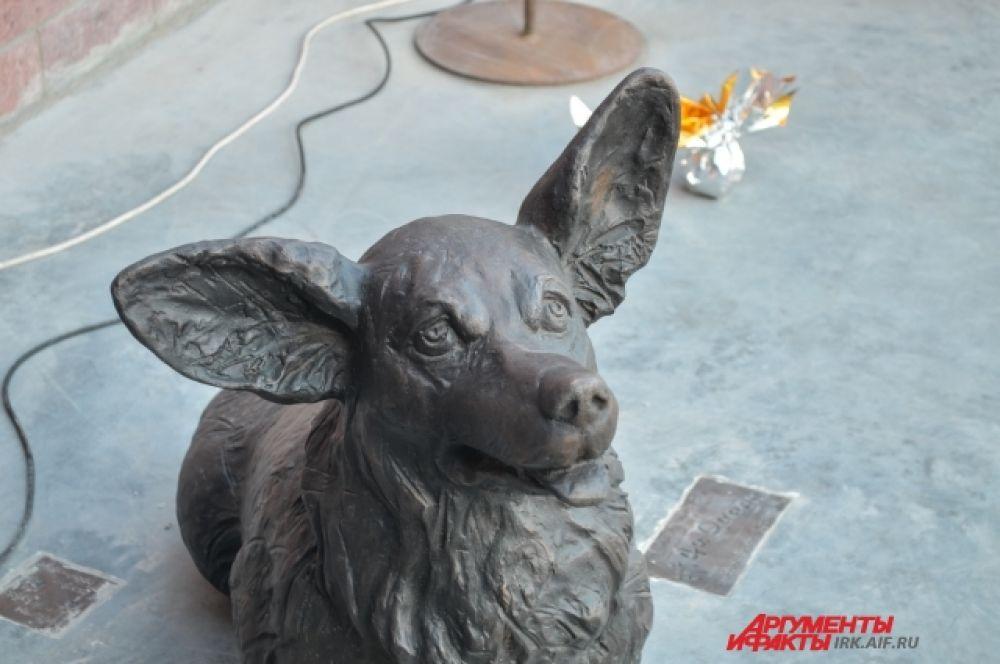 Трогательный пес теперь стал частью Иркутска.