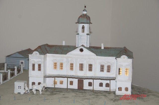 На выставке представлены макеты сооружений Омска и Тары.
