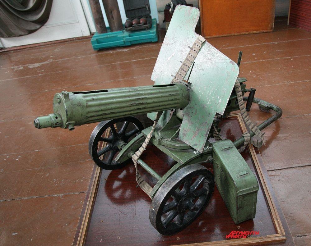 «История войн ХХ века» пулемет «Максим» 1915