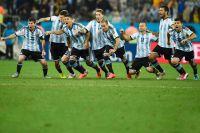 Игроки сборной Аргентины после победы в серии пенальти на командой Нидерландов в 1/2 финала ЧМ-2014.