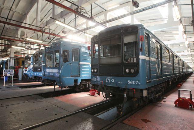 Подвижной состав подземки Екатеринбурга обновят на 70%