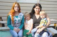 Семья Горнович приехала в Омск с тремя детьми.