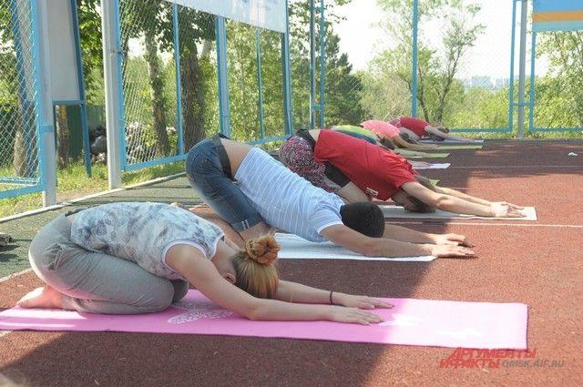 Занятия проходят на свежем воздухе в Советском парке.