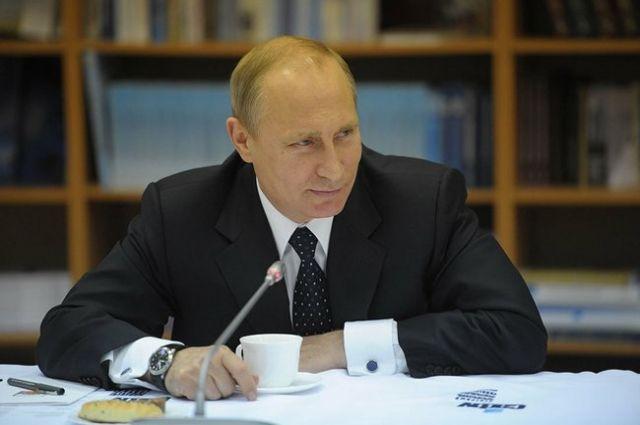Владимир Путин: в период ЧМ-2018 в России введут безвизовый режим