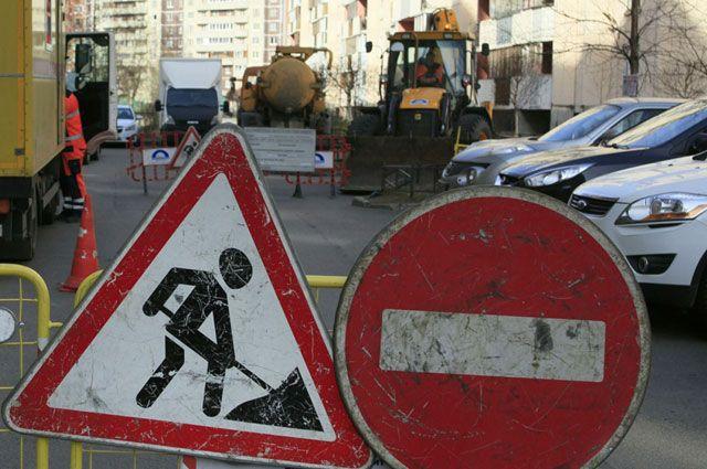 Дорогу в поселке Чусовское озеро отремонтируют к 14 июля