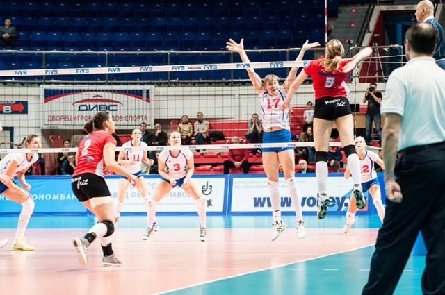 Первое место в Кубке Ельцина завоевали волейболистки из Болгарии