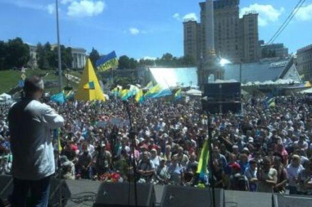 Общественное вече на Майдане в Киеве