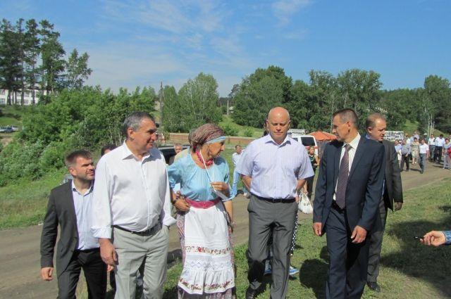 Виктор Назаров на выходных посетил деревню Петропавловка Муромцевского района.