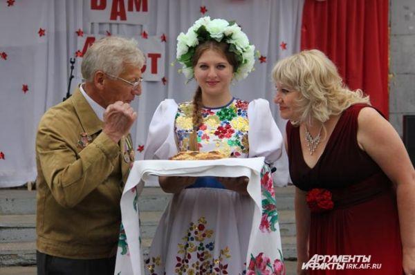 В Улькане поезд встречали не только угощениями, но и тёплой беседой, фильмом о первопроходцах и концертом.