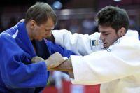 Финальный поединок Дениса Ярцева (слева).