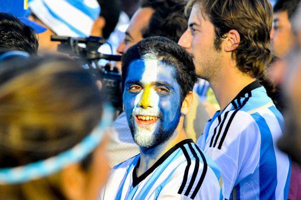 Аргентинцы болеют за команду Алехандро Сабельи