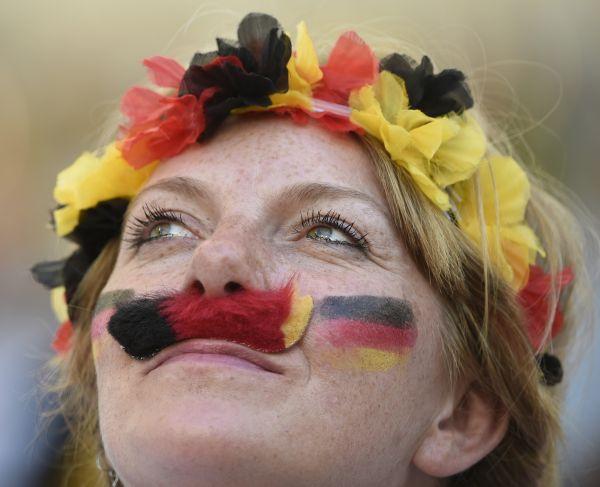 Болельщица за сборную Германии