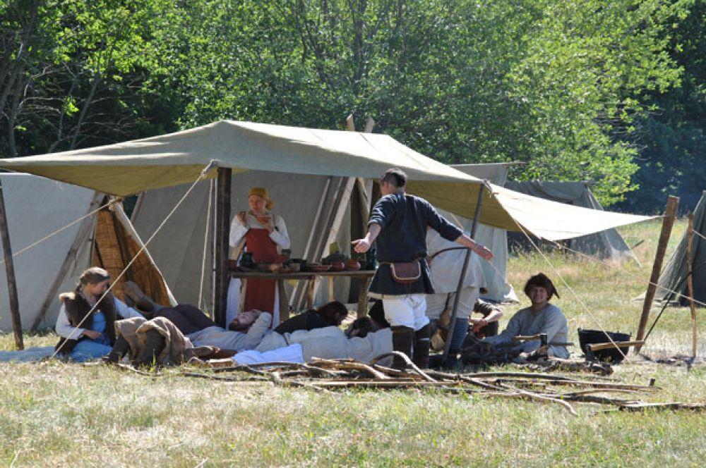 разбили лагерь