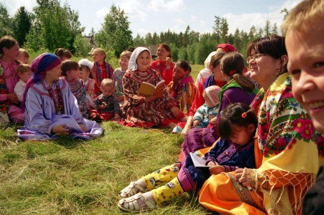 Детям манси на Среднем Урале перечислят средства на отдых
