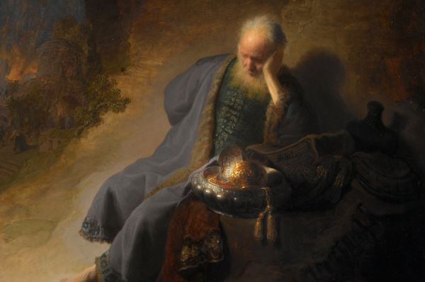В 25 лет Рембрандт переезжает в Амстердам, знакомится с работами самого известного на тот момент художника – Рубенса – и попадает под его влияние. Рембрант создает множество портретов, совершенствуя передачу подвижной мимики лиц.  «Иеремия, оплакивающий разрушение Иерусалима» (1630), «Воздвижение креста» (1633), «Снятие с креста» (1632/1633) – картины Рембрандта начального амстердамского периода.