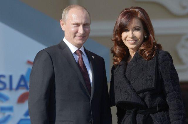 Президент России Владимир Путин и президент Аргентины Кристина Фернандес де Киршнер.