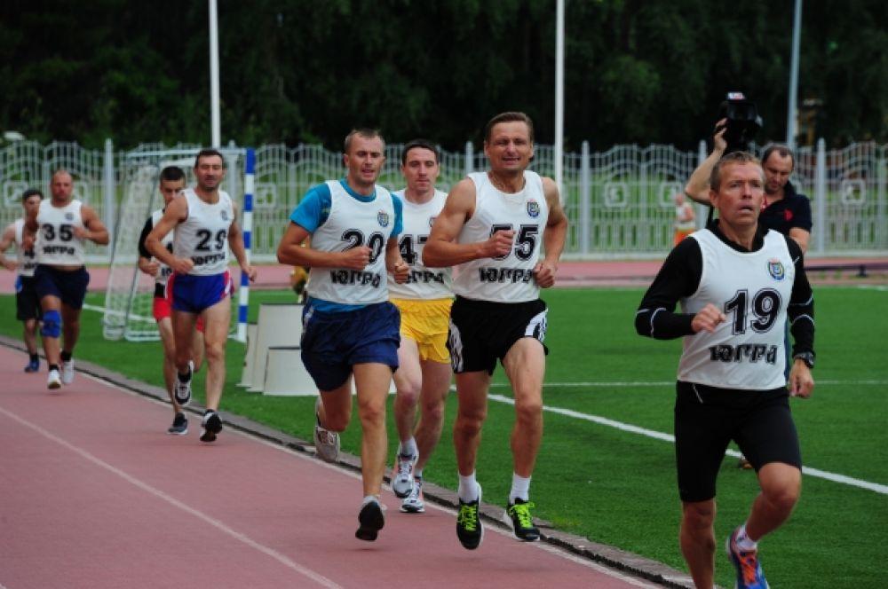По словам организаторов, главная цель соревнований - повышение уровня спортивной подготовки служащих.