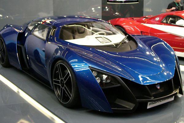 Пожалуй, самым нашумевшим отечественным автомобилем последнего времени является другой спорткар – Marussia B2. На машину можно установить один из трёх вариантов двигателей мощностью от 300 до 420 л.с. Цены на этот автомобиль начинаются от 4,5 млн рублей.