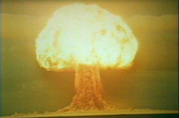 В ответ на эти испытания в 1953 году на полигоне под Семипалатинском советские учёные взорвали бомбу РДС-6с, первую в СССР водородную бомбу. Взрывом были уничтожены все кирпичные здания в радиусе четырёх километров, а железнодорожный мост со стотонными пролётами отбросило на 200 метров. Мощность взрыва составила 400 килотонн, что в 20 раз превысило энерговыделение первой атомной бомбы.