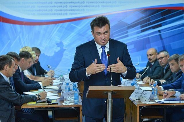 Владимир Миклушевский на встрече с жителями Яковлевского района.