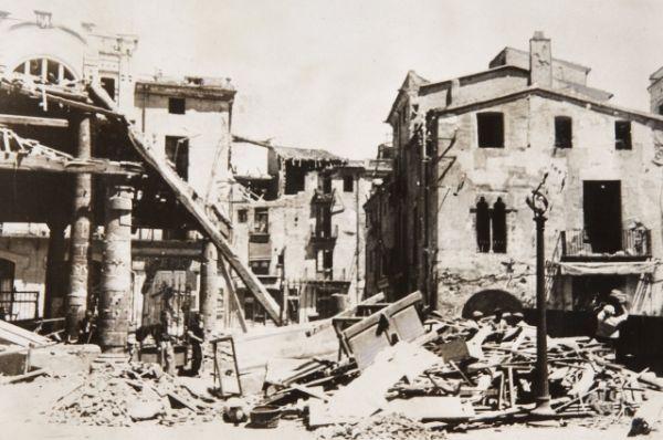 Череда побед националистов 1937-1938 годов позволила им захватить территории Кантабрии, Астурии, Сарагосы, Брунете, Теруэля и установить там диктаторский режим Франко. Они потеряли 147 тысяч человек, республиканцы - более 315 тысяч человек.
