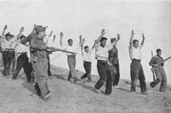 Мятеж против республиканского правительства начался в указанное время - 17 июля 1936 года в Испанском Марокко. Взяв под контроль испанские колонии, мятежники стали захватывать власть в крупных городах. Уже 19 июля в восстании участвовало 80% военных страны, 35 из 50-ти провинциальных центров были захвачены восставшими.