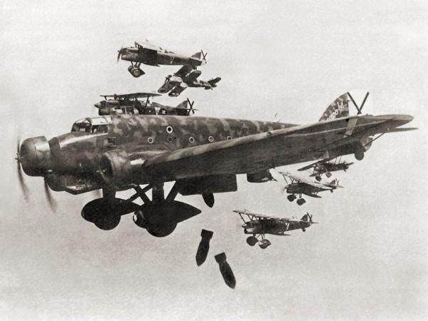 Фраза «Над всей Испанией безоблачное небо» была сигналом к началу военного мятежа и одновременного выступления военных по всей стране. Именно с этих слов началась гражданская война в Испании, продлившаяся до 1939 года.